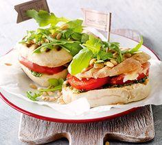 Ciabatta tosti met tomaat en pesto - Recept - Jumbo Supermarkten