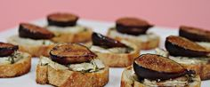 Fresh Fig Crostini With Bûcheron Cheese and Thyme