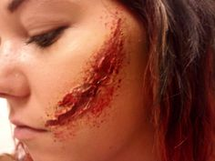 Learn to do stage makeup