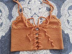 Fabulous Crochet a Little Black Crochet Dress Ideas. Georgeous Crochet a Little Black Crochet Dress Ideas. Tops Tejidos A Crochet, Top Crop Tejido En Crochet, Crochet Halter Tops, Crochet Bikini, Crochet Bodycon Dresses, Black Crochet Dress, Crochet Designs, Crochet Patterns, Crochet Baby