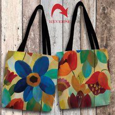 Handmade Fabric Bags, Fabric Tote Bags, Diy Tote Bag, Diy Purse, Canvas Tote Bags, Easy Yarn Crafts, Fabric Crafts, Art Crafts, Painted Bags