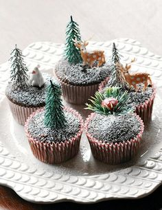 beautiful christmas cupcakes | Beautiful Christmas Cupcakes to get you in to the Christmas spirit