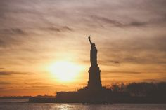 10 free things to do in New York City on a tight budget. This is a great list for anyone who is trying to save money on their vacation in New York City.