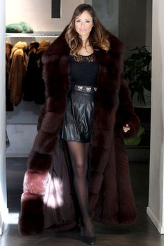 fur fashion directory is a online fur fashion magazine with links and resources related to furs and fashion. furfashionguide is the largest fur fashion directory online, with links to fur fashion shop stores, fur coat market and fur jacket sale. Fox Fur Jacket, Fox Fur Coat, Fabulous Furs, Coat Sale, Fur Fashion, Fur Collars, Elegant Woman, Pretty Outfits, Pretty Clothes