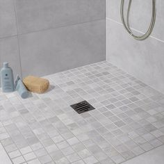 Mosaïque LIVE, gris brume | Leroy Merlin Shower Floor Tile, Tile Design, Design Bathroom, Modern House Design, Home Projects, Master Bathroom, Bath Mat, Leroy Merlin, Toilets