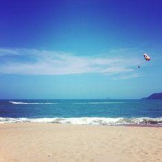 Var i #NhaTrang och lekte valross på strand, precis som alla andra ryssar. - ellinorlinka's photo on Instagram - Pixsta