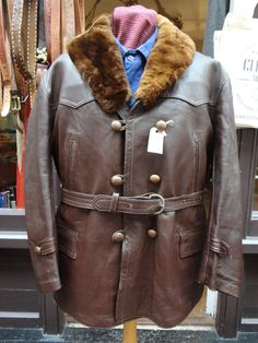 Vintage 1950s 50s Canadienne brown leather shearling sheepskin jacket…