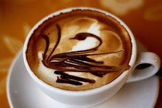 Amazing Swan Coffee Art Design // Creative 3D Coffee Latte Art Pictures, Images & Designs