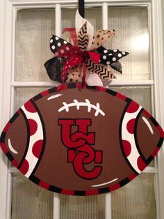 Could change this to any team Burlap Football, Football Crafts, Football Decor, Gamecocks Football, Clemson, Broncos, Wooden Crafts, Diy Crafts, Football Door Hangers