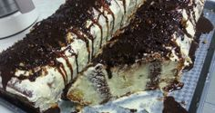 Reteta zilei -Tort la metru Romania, Tiramisu, Cheesecake, Places, Ethnic Recipes, Desserts, Food, Tailgate Desserts, Deserts