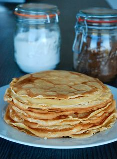 Crêpes légères au lait d'amande – The Mona Project Breakfast Snacks, Breakfast Time, Healthy Breakfast Recipes, Vegan Recipes, Cooking Recipes, Dessert Recipes, Dinner Recipes, No Sugar Foods, Lactose Free
