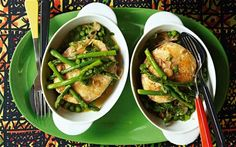 Hake steaks cooked in stock and sherry with a bowlful of young green vegetables and herbs Hake Recipes, Asparagus Pea, How To Cook Steak, Green Beans, Zucchini, Menu, Herbs, Plates, Vegetables