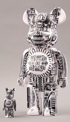 Be@rbrick World Wide Tour H.R. Giger 100% & 400%