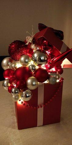 Christmas Lanterns, Christmas Centerpieces, Xmas Decorations, Christmas Wreaths, Christmas Ornaments, Corner Christmas Tree, Christmas Time, Simple Christmas, Christmas Design