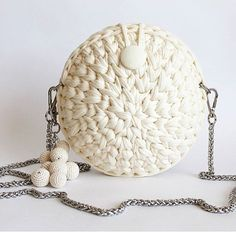 Round crochet bag available in different colours It can be used for various ocassions It can hold phone, keys, cards, etc It can be customized to your preference It is available in different colours Crochet Clutch Bags, Bag Crochet, Crochet Diy, Crochet Motifs, Crochet Handbags, Crochet Round, Crochet Purses, Love Crochet, Crochet Patterns