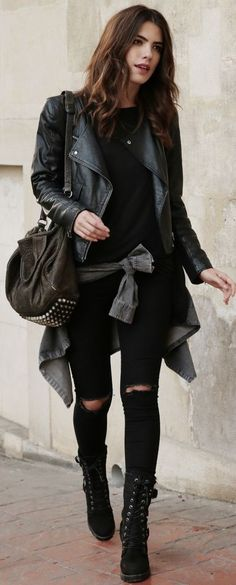 Rocker Outfits: The Ultimate In Rocker Girl Style And How You Achieve The Look Ripped skinny jeans are the way to go when aiming for [. Rocker Girl, Rocker Outfit, Rocker Look, Rocker Clothes, Look Fashion, Trendy Fashion, Girl Fashion, Fashion Trends, Rocker Fashion