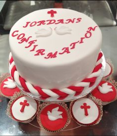 Confirmation cake Confirmation Cakes, Christian Crafts, Cup Cakes, Cake Designs, Christening, Cake Ideas, Catholic, Cake Decorating, Birthday Cake