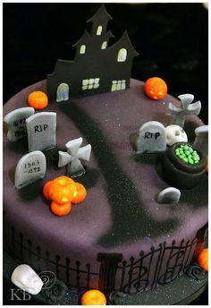 Halloween  Cake by KatyBakey