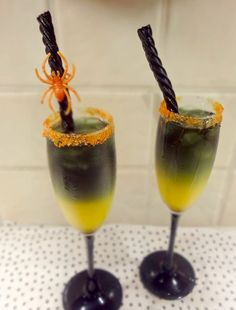 Spooky+Halloween+Screwdriver  To+achieve+this+perfectly+Halloween-esque+hue,+you+only+need+a+couple+ingredients+combined+with+orange+rimming+sugar+that+makes+for+a+pretty+presentation,+or+you+can+also+garnish+with+a+clip-on+spider. Screwed-up+Screwdriver  Black+Licorice Orange+Juice Black+Vodka+ Orange+dyed+Sugar