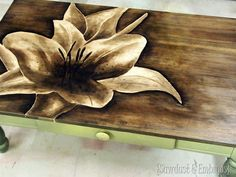 <Leuk idee om de eettafel nieuw leven in te blazen>This shade painting with stain technique is simply amazing and completely transforms a tabletop! Furniture Projects, Furniture Makeover, Wood Projects, Diy Furniture, Woodworking Projects, Handmade Wood Furniture, Furniture Design, Articles En Bois, Diy Spring