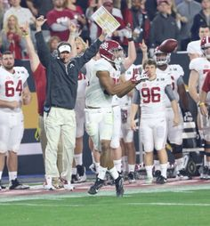 Alabama TE O.J. Howard, named the Offensive Player of the Game - 5 Rec. for 208…