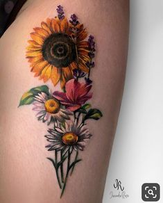 Sunflower and Daisy Tattoo - Best Sunflower Tattoos: Cute Sunflower Tattoo Designs and Ideas For Women Sunflower Tattoo Simple, Sunflower Tattoo Shoulder, Sunflower Tattoos, Sunflower Tattoo Design, Sunflower Tattoo Meaning, Daisy Tattoo Designs, Design Tattoos, Foot Tattoos, Forearm Tattoos