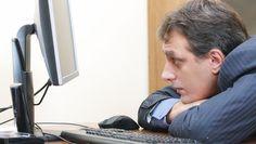 Quand tu es seul au bureau, tu peux avoir ouvertement l'attitude du mec qui s'ennuie