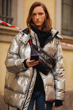 Street Style at the Milano Fashion Week Street Style 2018, Autumn Street Style, Street Style Looks, Street Chic, Street Style Women, Street Wear, Look Fashion, Winter Fashion, Fashion Outfits