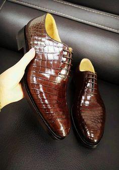 Alligator Oxford Alligator Leather Dress Shoes for Men Formal Alligator Oxford Alligator Leather Dress Shoes for Sale Stylish Mens Fashion, Latest Mens Fashion, Mens Fashion Shoes, Fashion 101, Fashion Ideas, Leather Shoes Brand, Leather Dress Shoes, Sock Shoes, Shoe Boots