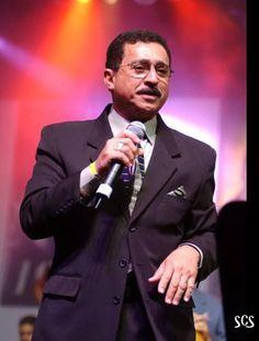 Simon Perez,cantante de Tommy Olivencia por muchos  años..