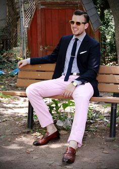 Pink trousers is all you need to complete your weekend. Don't forget the tan.