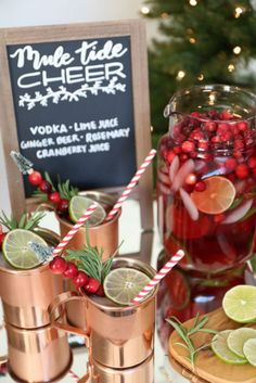 How to Set Up a Buffet for a Holiday Party. Set up a bar cart with a festive specialty drink, like a Christmas Cocktail Party, Christmas Party Food, Christmas Cocktails, Holiday Cocktails, Christmas Recipes, House Party, Open House Parties, Up House, Sangria Bar