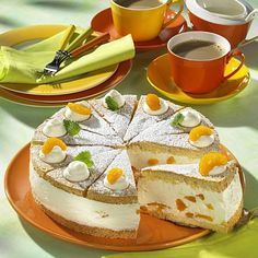 Käse-Sahne-Torte mit Mandarinen Rezept | LECKER