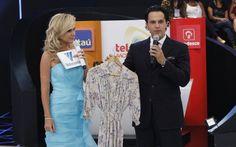 Família doa roupa de Elis Regina para a campanha do Teleton 2013