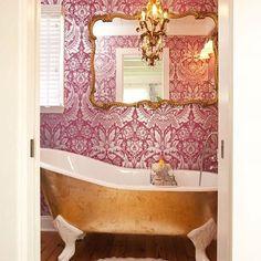 Bathroom design with claw foot tub