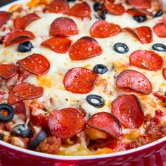 Pepperoni Pizza Casserole | A quick and easy pasta casserole with all of the flavours of a pepperoni pizza!
