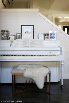 painted piano fall home tour / jones design company white on white♡♡