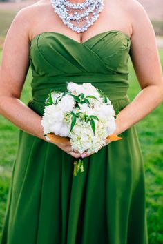 Cotton detailed bouquet: http://www.stylemepretty.com/little-black-book-blog/2015/03/30/rustic-glam-wedding-at-greengate-ranch-vineyard/ | Photography: Jen Rodriguez - http://www.jen-rodriguez.com/