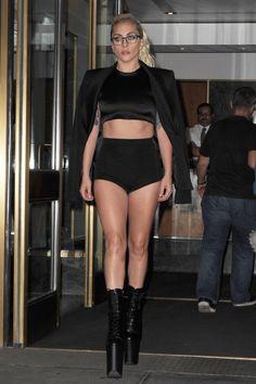 FOTOS HQ: Lady Gaga saliendo de su apartamento en Nueva York (Septiembre 13) | Hey Lady Gaga