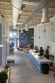 Dani Nebot cambia el concepto de verdulería con Punt de Sabor, una tienda 'eco' en el centro de Valencia.