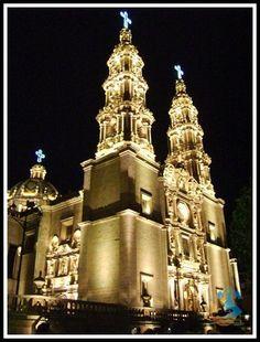 Catedral Basílica de Nuestra Señora de San Juan de los Lagos (Estado de Jalisco) México by Catedrales e Iglesias, via Flickr