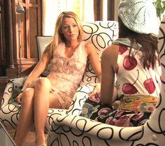 GG S4E1 (Belles de Jour): Serena van der Woodsen in George Charka