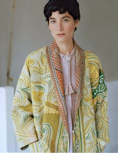 Toast kantha coat - could use Wiksten kimono pattern Simple Outfits, Classy Outfits, Beautiful Outfits, Toast Uk, Kimono Coat, African Fashion Dresses, Mixing Prints, A Boutique, Dress Patterns