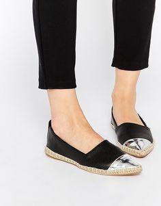 d61246e86c8fc 67 meilleures images du tableau ESPADRILLES   Beautiful shoes, Shoe ...