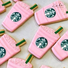 Who else is out here wishing for a Strawberry 🍓 Açaí from 🤤🙋🏼♀️ . What's your FAVE starbucks drink? 🤔 Let us know in the comments below! Starbucks Cake Pops, Starbucks Logo, Starbucks Cookies, Pink Starbucks, Iced Cookies, Starbucks Drinks, Cookies Et Biscuits, Starbucks Strawberry, Strawberry Acai