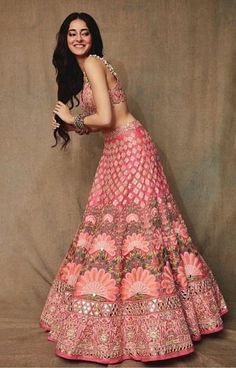 A pastel lehenga is a perfect attire for a day wedding. Moreover, it is quite pairable with some light jewellery designs that will not make you look overly dressed. Indian Wedding Gowns, Indian Bridal Lehenga, Indian Gowns Dresses, Indian Bridal Outfits, Indian Bridal Wear, Indian Designer Outfits, Punjabi Wedding, Geometric Patterns, Bridal Lehenga Collection