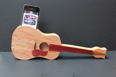 Acoustic Guitar Natural amplifier speaker designed by woodandwire