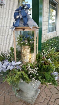 Blue Christmas Christmas Urns, Blue Christmas Decor, Christmas Planters, Christmas Arrangements, Outdoor Christmas Decorations, Rustic Christmas, Christmas Themes, Winter Planter, Lanterns Decor