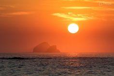 Fire . . .  #sunset_ig #sunsetviews #sunset #awakethesoul #lifeofadventure #igbest_shotz #natgeovisual #visitmexico #mexicolove #mazunte #oaxacancoast #beachlife #beach #mexicanbeach #mylpguide #lpfanphoto #lifesabeach #natgeo #Travel #TravelBlogger #TravelPhotography #TravelDiary #TravelLife #TravelPics #TravelCouple #travelisthenewclub #travelawesome #worldplaces #bestvacations #forksinthepath