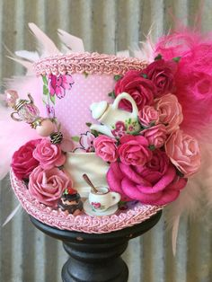 Mini cilinderhoed roze Tea Cup hoed thee Pot Alice in door ChikiBird